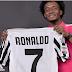 Đồng đội mới ở Juve phải nhường áo số 7 cho Ronaldo