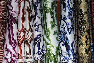 Batik Cirebon, Batik yang Selalu Lekat dengan Motif Mega Mendung