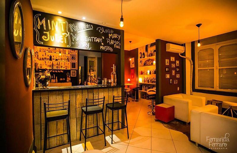 A decoraç u00e3o super faça voc u00ea mesma e inspiradora do Mixxing Bar dcoracao com blog de  -> Decoração De Home Bar