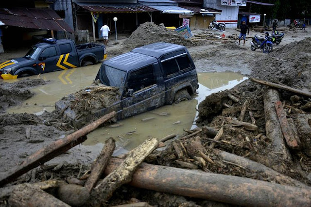 Korban jiwa akibat banjir bandang di Masamba, Luwu Utara, Sulawesi Selatan, bertambah tiga orang.