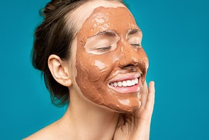 Apply homemade masks to get rid of oily skin