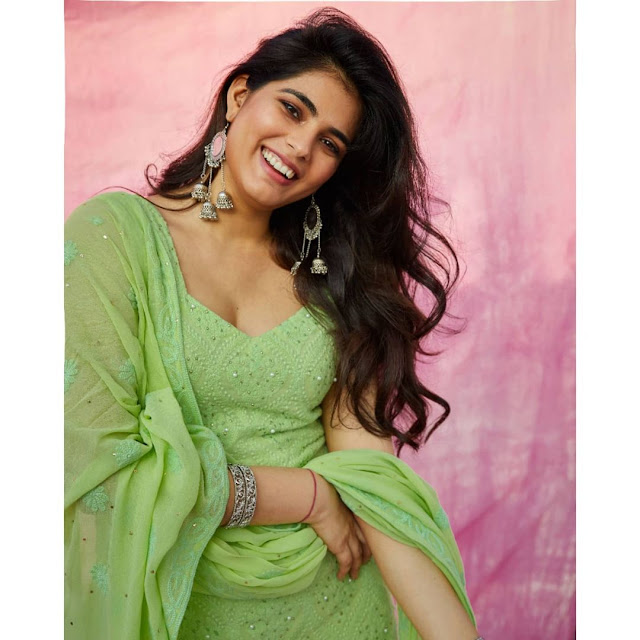Carivee Thakkar  (Indian Actress) Wiki, Age, Height, Family, Career, Awards, and Many More