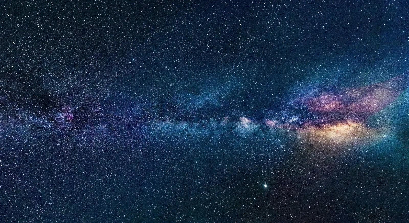 أفضل خلفيات الفضاء للكمبيوتر