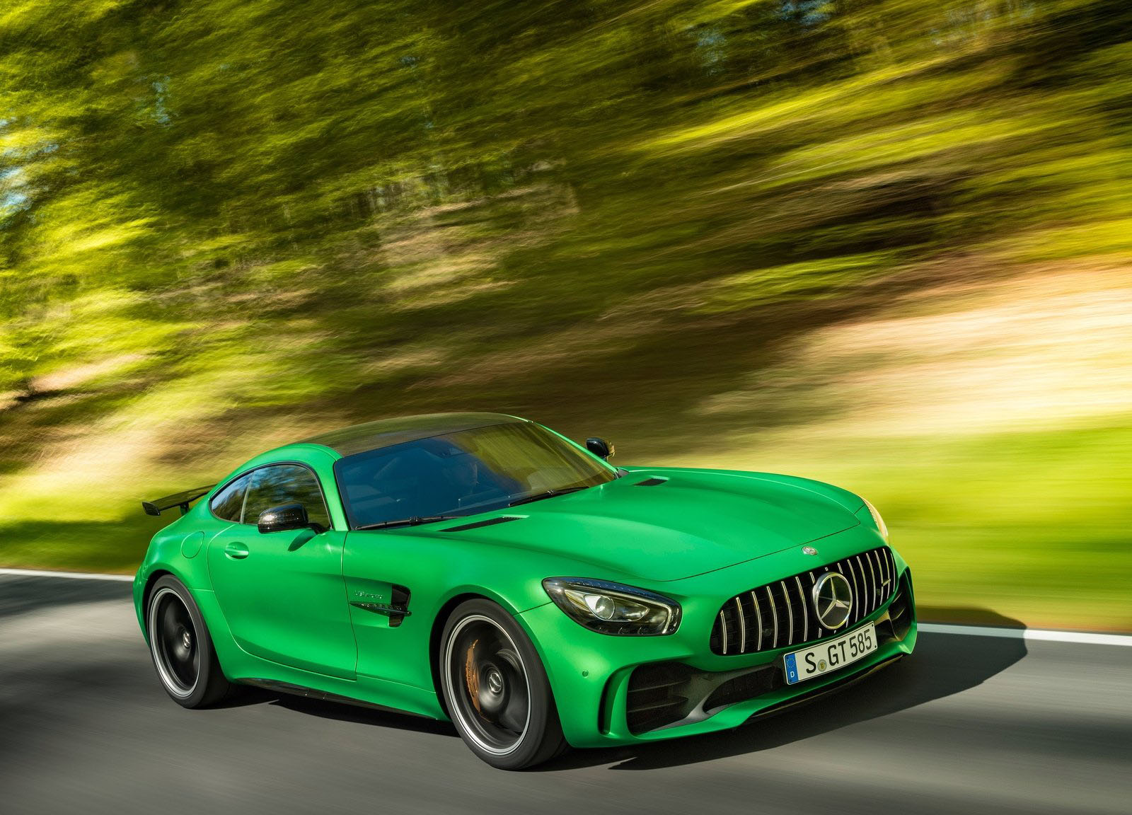 mercedes uk prices new amg gt roadster gt r carscoops. Black Bedroom Furniture Sets. Home Design Ideas