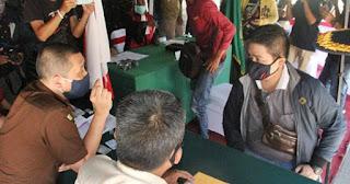 Warga di Banjarmasin Kena Denda Gegara Lepas Masker saat Meludah