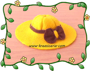 Topi cantik dari kain flanel untuk boneka