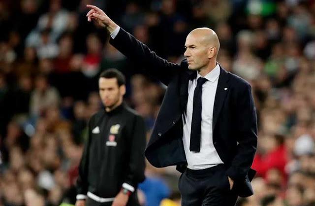 Real Madrid nhớ Ronaldo da diết: Vinh quang của Zidane làm mờ mắt 2