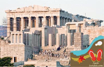 the acropolis yunani