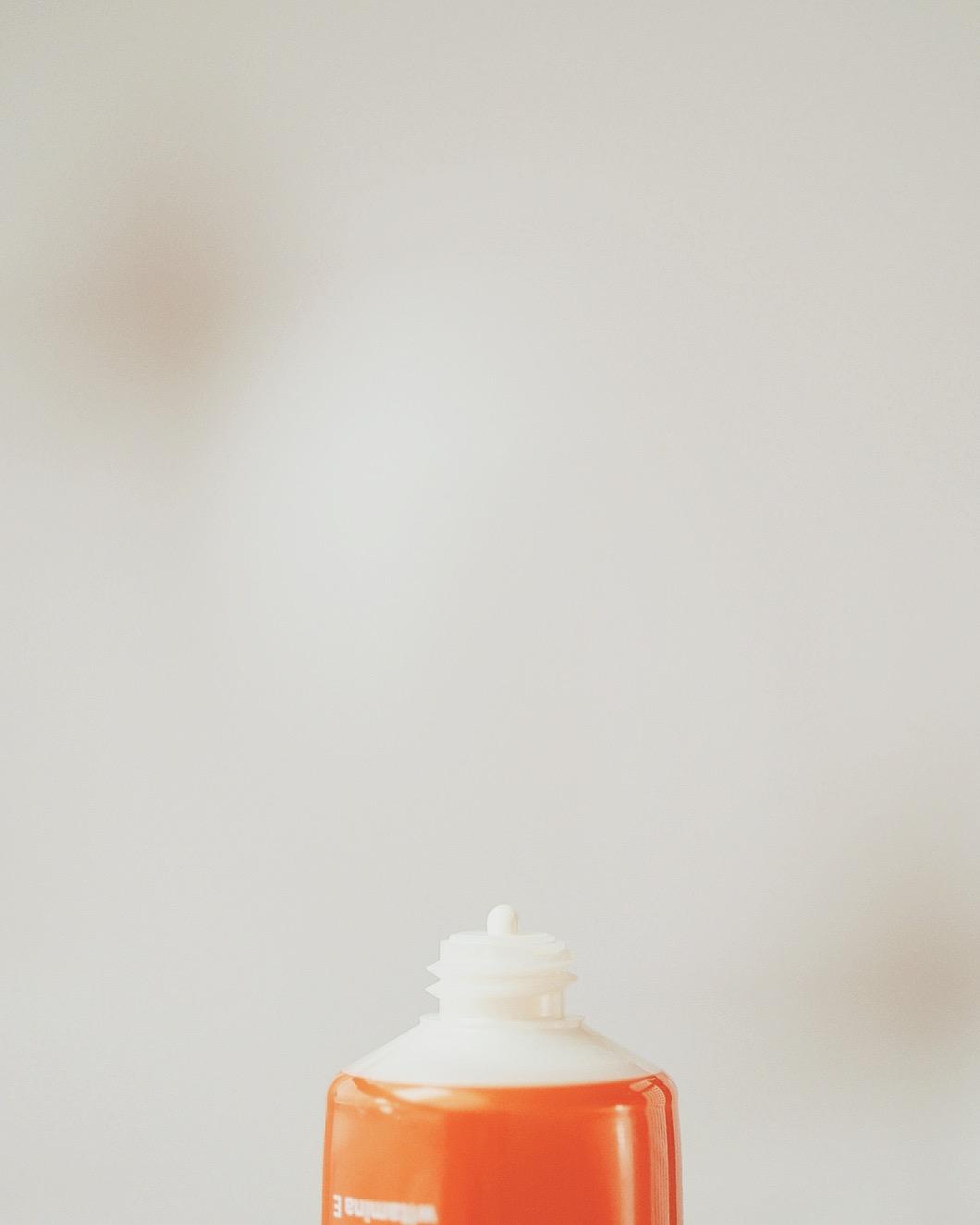 LIRENE DERMOPROGRAM HYDROLIPIDOWY OCHRONNY KREM DO TWARZY IR SPF 50+ lekki krem z filtrem, który nie zatyka porów krem z filtrem dla trądzikowej skóry krem z filtrem co nie bieli (1)
