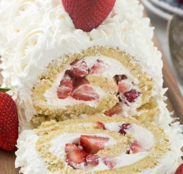 STRAWBERRY SHORTCAKE CAKE ROLL #desserts #creamcheese