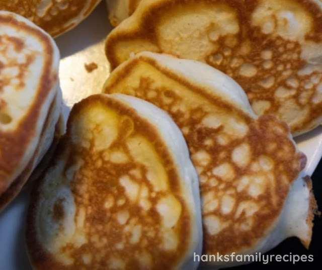 HOMEMADE FLUFFY KETO PANCAKES