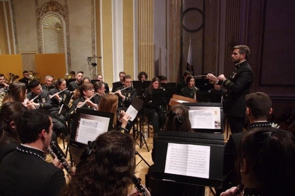La banda de música de Mena ofrece un concierto gratuito por la víctimas del Covid-19