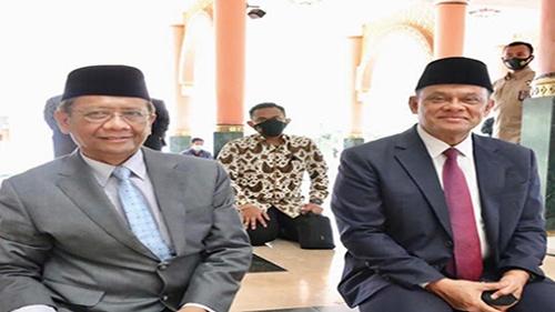 Mahfud MD Ketemu Gatot Nurmantyo di Masjid, Bicara dari Hati ke Hati
