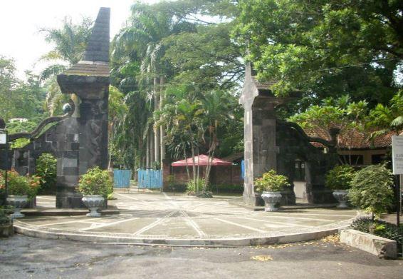 pintu masuk wisata taman lele semarang