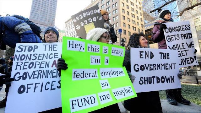 Trump causa catástrofe por impago a 800 mil empleados federales