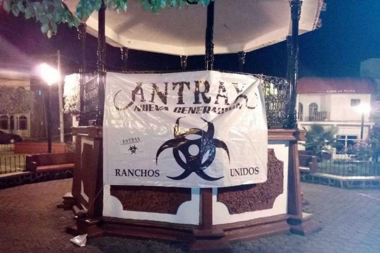Aparecen manta en Michoacán; apuntan a alianza de Los Ántrax Nueva Generación.