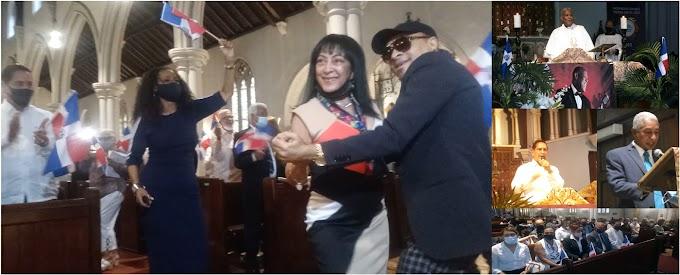 VIDEO: Dominicanos bailaron y corearon merengues de Johnny Ventura en iglesia episcopal del Alto Manhattan durante misa novenaria