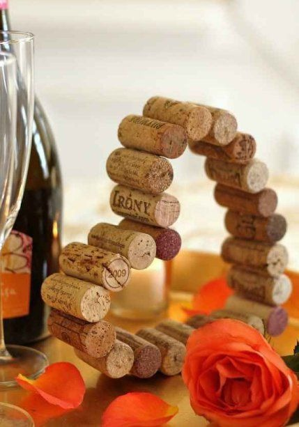 Easy crafts with wine stoppers