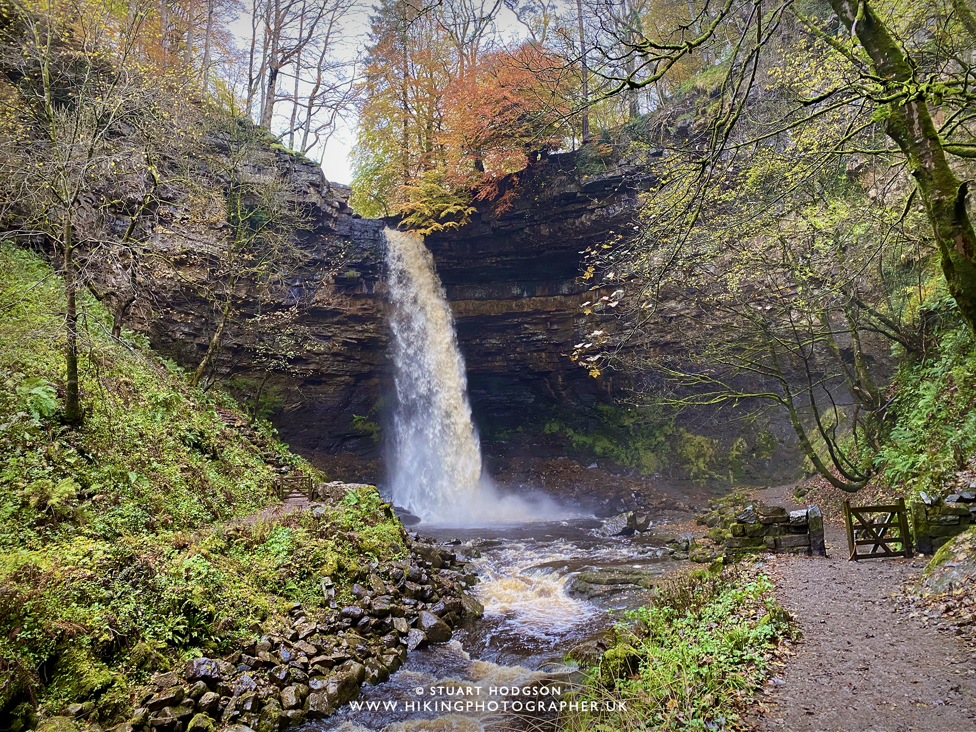 Hardraw Force waterfall walk short highest tallest waterfall England Yorkshire Dales map route Hawes