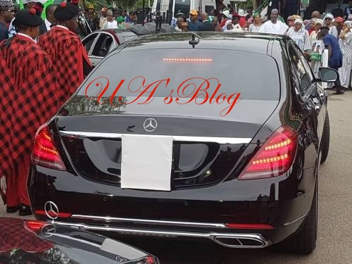24 Hours After Submitting Asset Declaration Form, Buhari Reportedly Unveils N61m 2019 Mercedes Benz
