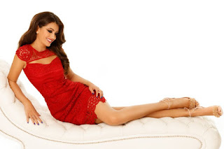 farmecul-rochiilor-rosii-scurte-elegante6