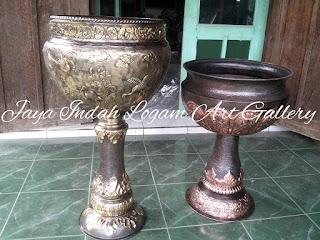 Vase Tembaga dan Kuningan