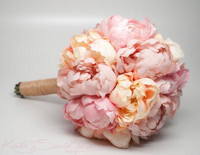 peach peony bouquet