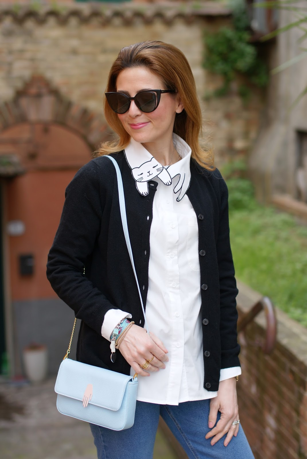 White cat collar shirt, hand serenity bag on Fashion and Cookies fashion blog, fashion blogger style