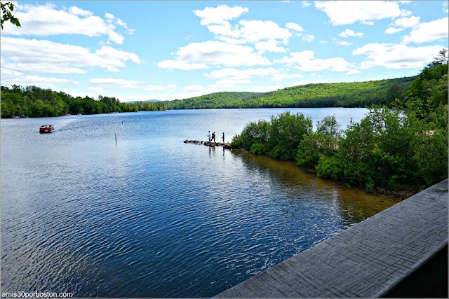Río Squam en Ashland, New Hampshire
