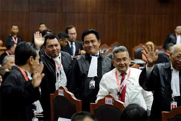 2 Saksi Dan 2 Ahli Dihadirkan Tim Jokowi  Dan Maruf Di MK