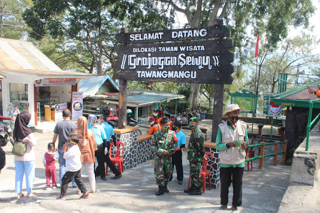 Kodim Karanganyar - Penertiban Protokol Covid 19 di Daerah Wisata Tawangmangu