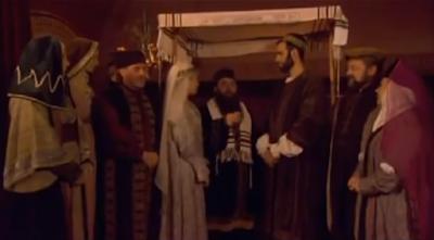 """Los Anusim (en hebreo: אנוסים, el plural para """"Anús"""", significa """"los forzados"""") son los judíos obligados a abandonar la Ley judía en contra de su voluntad. Es el término legal rabínico aplicado a un judío que ha sido forzado a abandonar el judaísmo en contra de su voluntad, y quien hace todo lo que está en su poder para continuar practicando el judaísmo bajo la condición de coerción. El término se deriva de aquel en el Talmud, """"Aberrá Be'Ones"""" [TB Abodá Zará 54a]."""