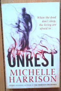 Cover for Unrest by Michelle Harrison