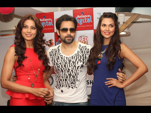 Bipasha Basu, Emraan Hashmi & Esha Gupta in Ahmedabad for promotion