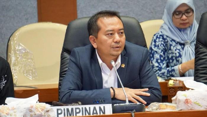 Fahri Hamzah Kritik Kebijakan Bagi-bagi Pulsa, Ketua Komisi X Justru Bela Nadiem
