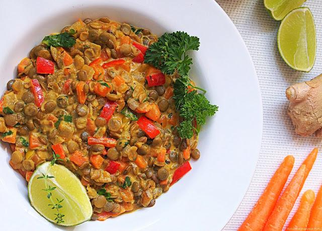 Curry z zielonej soczewicy