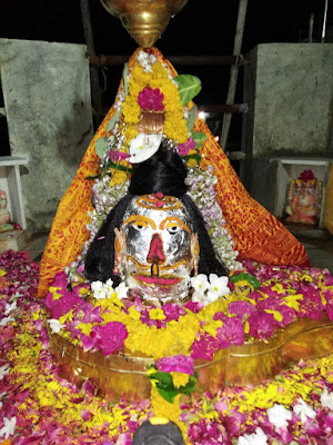 """Benefits of Shiva Mantra:     1) To get money:     In order to attain wealth, the worshiper should offer the Bilva Patra with the chanting of the mantra """"Om Namah Shivaya"""" on the lingam of Lord Shiva.  After that duly perform the aarti of Lord Shiva.         2) To win in the case:     If there is repeated action in a case, then chant the mantra """"Om Namah Shivaya"""" to get victory and worship the Shivling made of Ashta metal along with it.  This results in winning in litigation or state functions."""