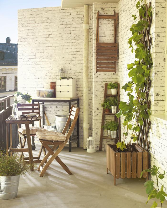 Balcones pequeños: ideas para decorarlos y sacarles más partido