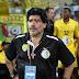 El astro del fútbol Diego Armando Maradona muere tras sufrir un paro cardíaco