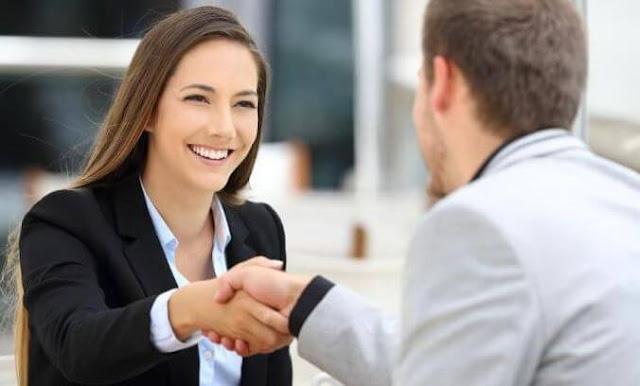 ما هي المعلومات التي يجب أن أقدمها لوكيلي أو شركتي؟