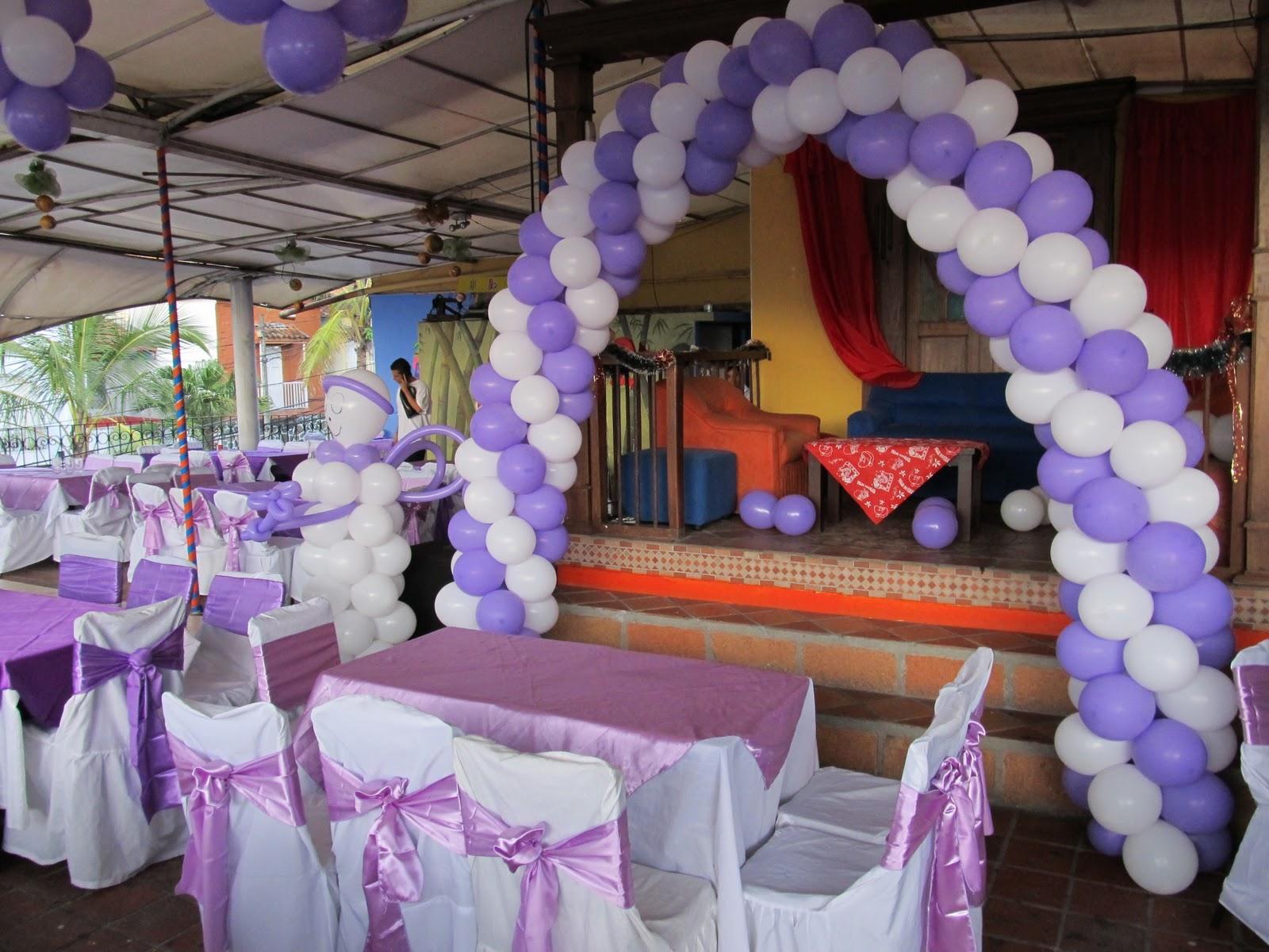 Decoracion con globos primera comunion recreacionistas for Fiestas comunion decoracion