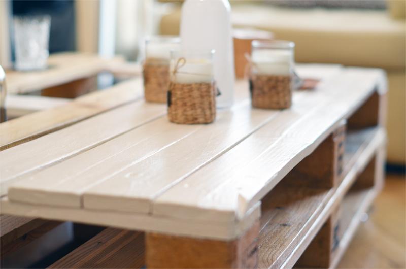 table basse en bois de palettes double support alu et acier tables basse en palettes acier et. Black Bedroom Furniture Sets. Home Design Ideas