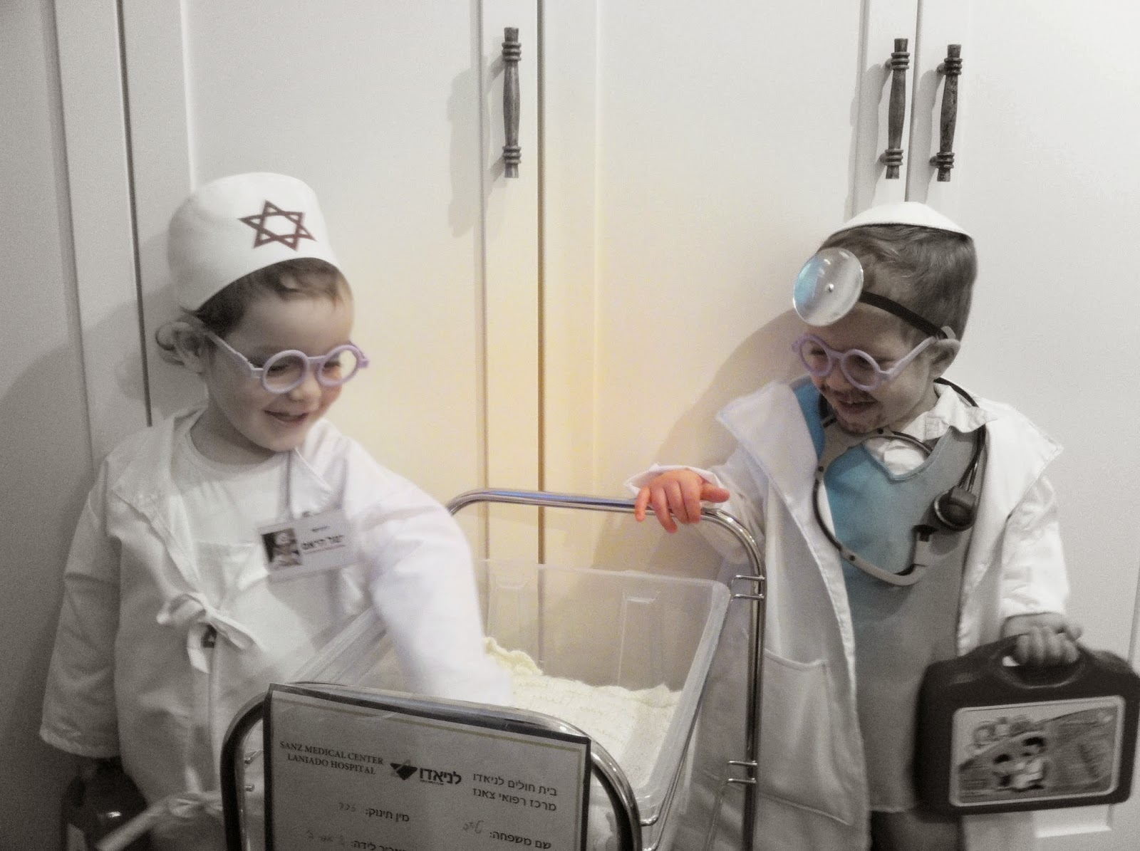 IMG 5322 - התחפשנו לרופאים!!!
