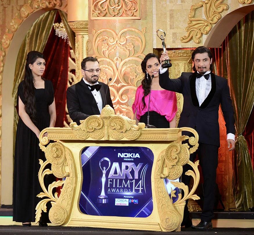 "Ali Zafar picks up a special ""International Star of Pakistan""  award"