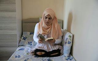 Lolos Dari Maut, Seorang Guru Kehilangan Kedua Kakinya Akibat Serangan Rezim Syi'ah Bashar Asad