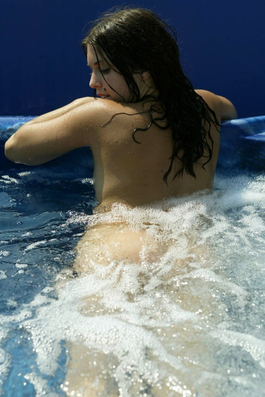 20040304_-_Girls_-_Watergames_-_by_Peter_Dominic.zip.MET-ART_dm_39_0017 Met-Art 20040305 - Girls - Aficionado - by Slastyonoff