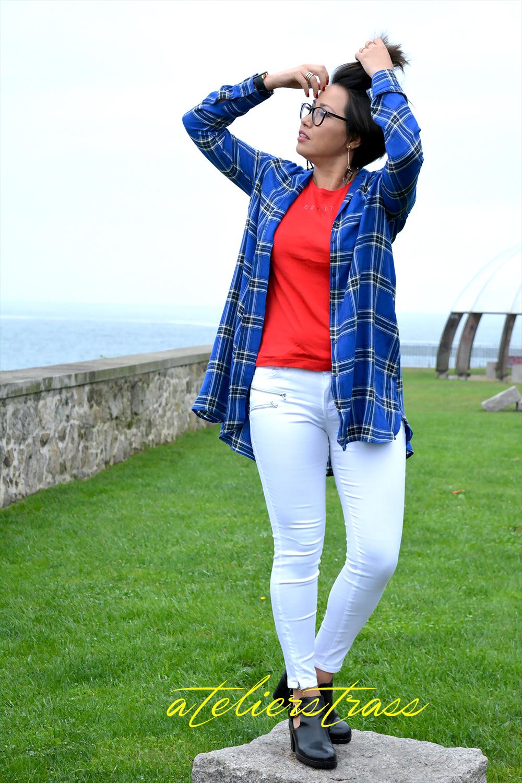 outfit azul y rojo