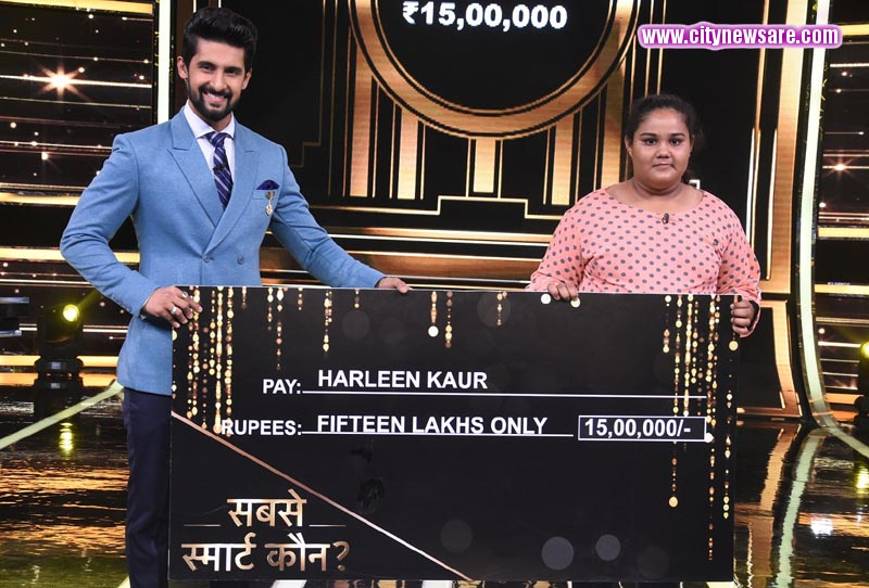Play along winner Harleen Kaur with Host Ravi Dubey on Sabse Smart Kaun