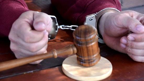 stj ilegal juiz flagrante preventiva oficio