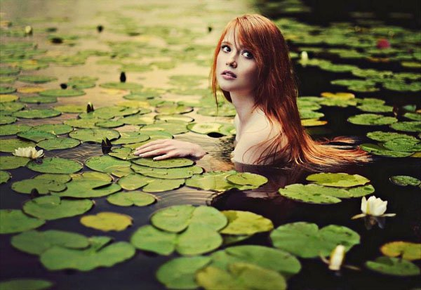 girl-In-natural-lake